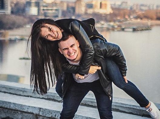 Сверх красивые девушки и парень 5 фотография